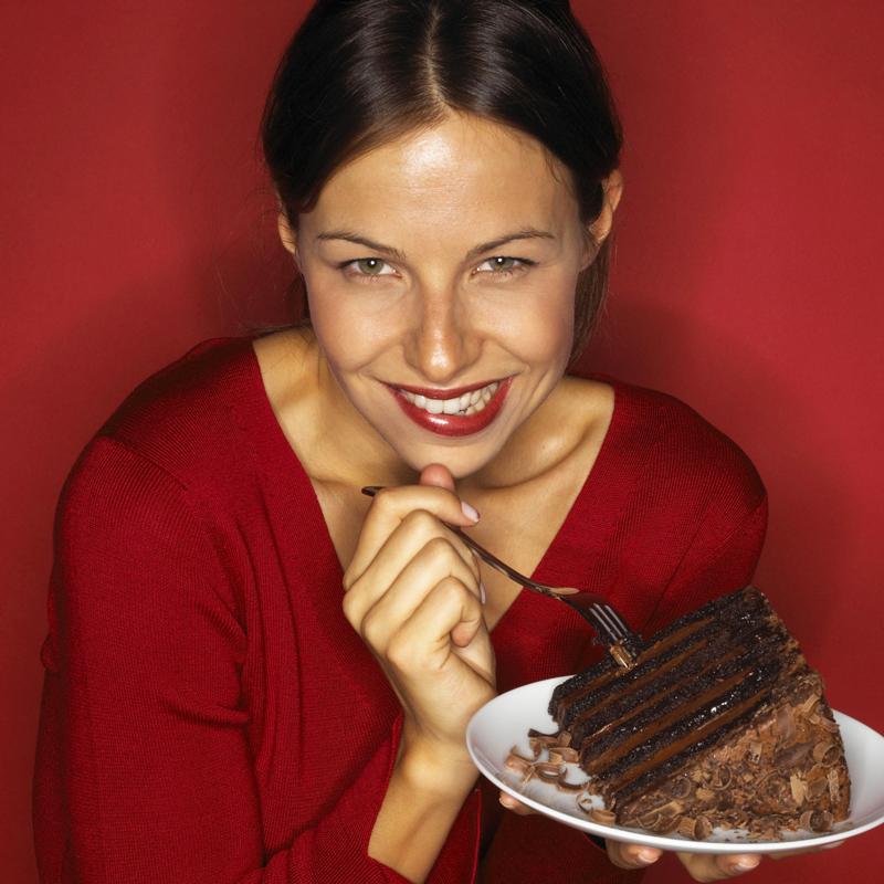 femme-gourmande-10670927ilopz