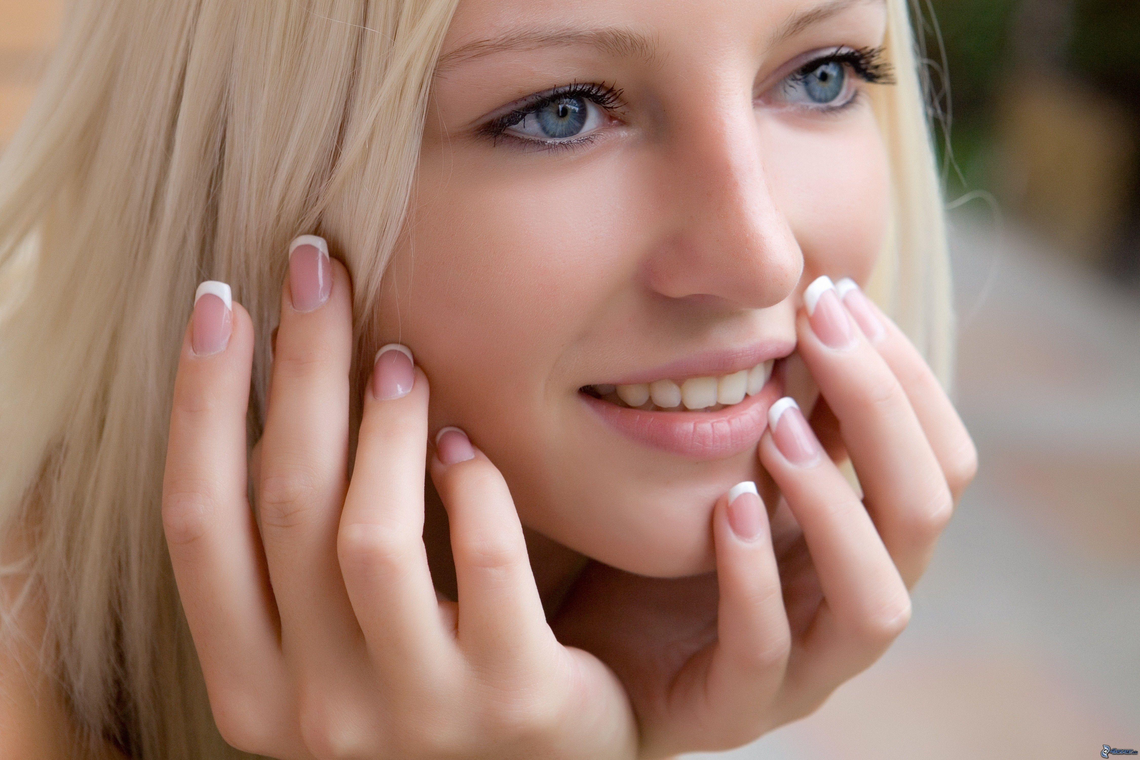 belle-femme-visage,-blonde,-yeux-bleus-178219